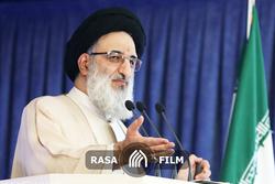 پاسخ امام جمعه کرج به توییت مشاور رییس جمهور