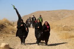 حرکت كاروان زائران پياده شهر چناران به سمت مشهد