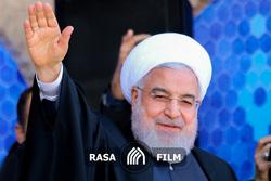 شعارهای مردم یزد در حین سخنرانی رئیس جمهور