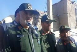 سپاه مدافع مردم در سختیها است