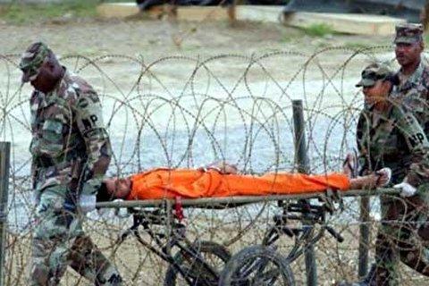 زندان گوانتانامو را تعطیل کنید / آمریکا نشان دهد که از تروریست ها بهتر است